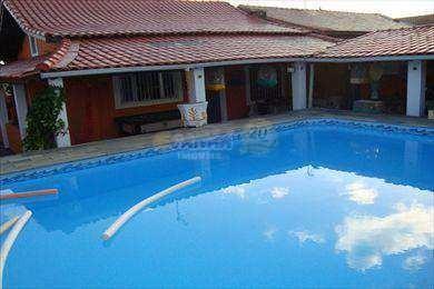 casa na praia com piscina, mongaguá ótima localização. - v1929
