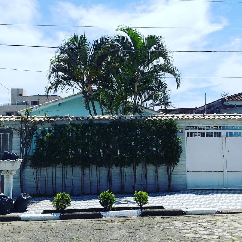 casa na praia com piscina mongaguá ref: 7348