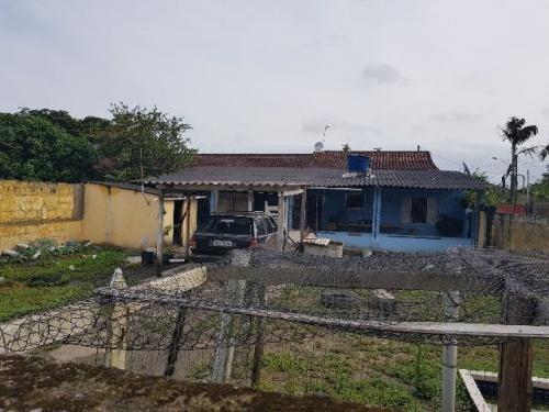 casa na praia de itanhaém, 2 quartos, ótimo valor.