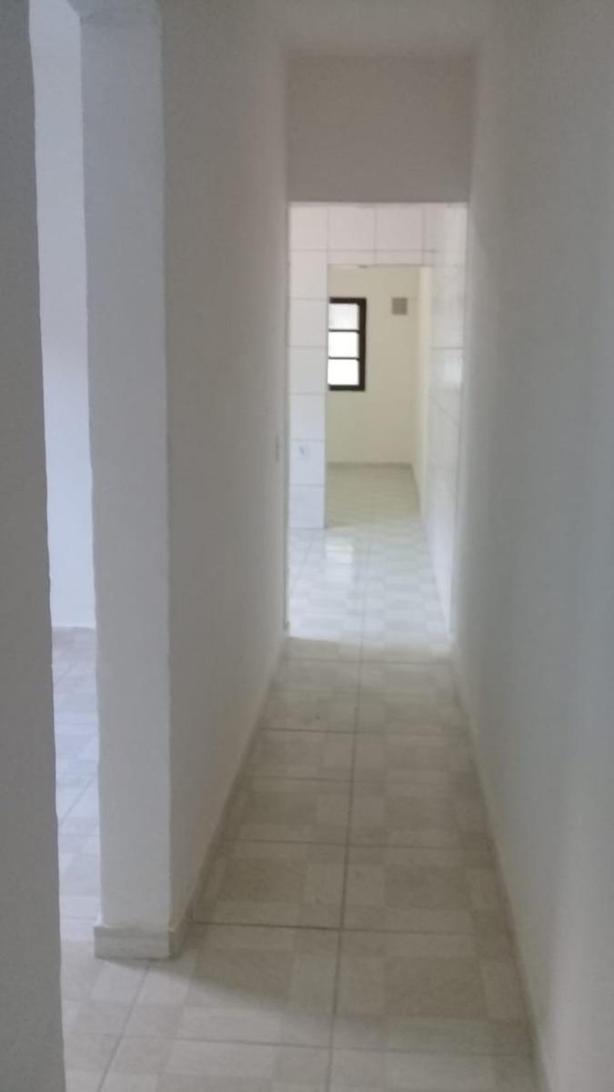 casa na praia de itanhaém com 2 quartos, ótimo bairro!
