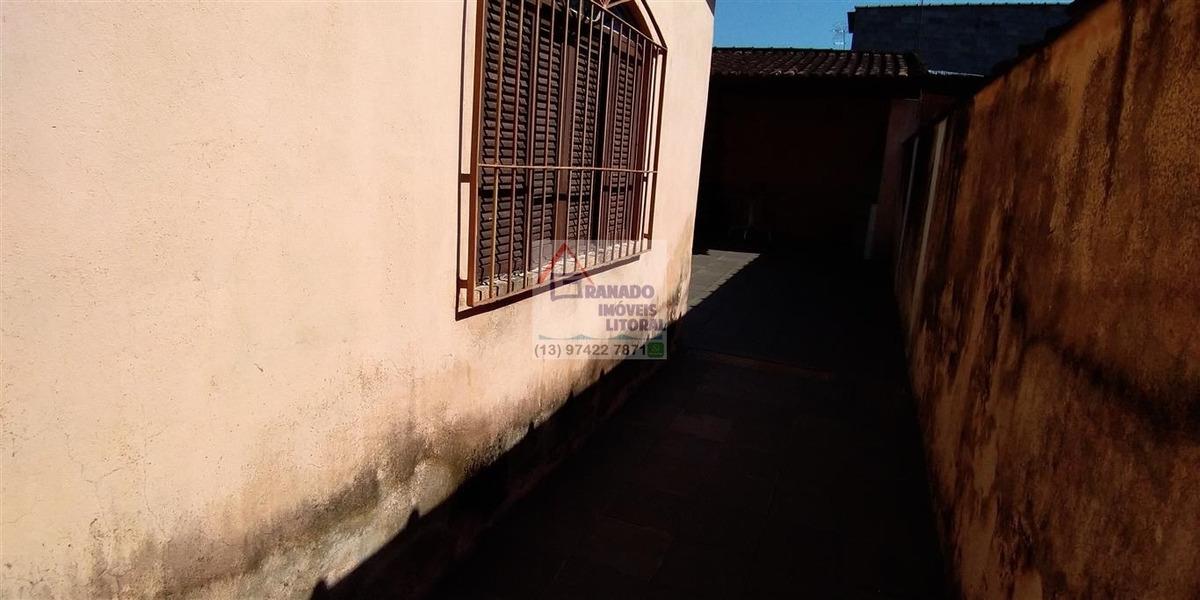 casa na praia de mongaguá 2 vagas de garagem. financie