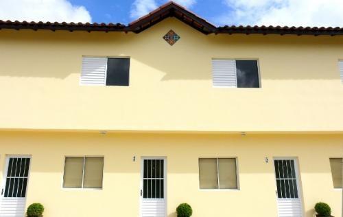 casa na praia em condominio  a 800 mts do mar em itanhaem