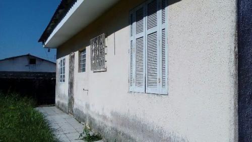 casa na praia em rua pavimentada c/1 quarto,em itanhaém/sp