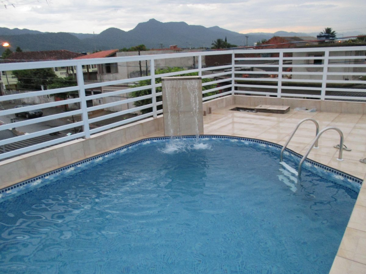 casa na praia piscina churrasqueira camas colchoes