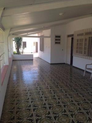 casa na praia,com 4 dormitórios e 2 suítes,em itanhaém/sp