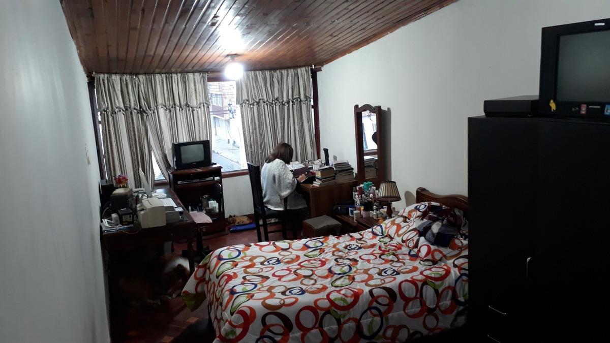 casa negociable  para habitar o administrar empresa