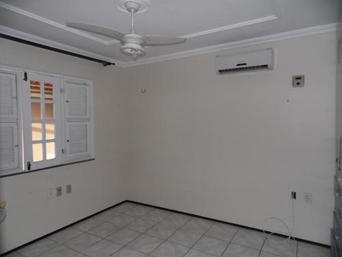 casa no alagadiço novo/cambeba, suíte, piscina, churrasqueir