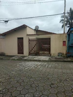 casa no bairro acaraú, em cananéia, à 1000 metros do rio