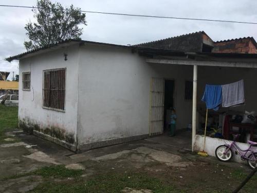 casa no bairro nova itanhaém, em itanhaém.