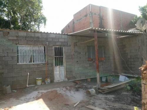 casa no bairro santa cruz, em itanhaém.