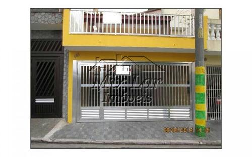 casa no bairro vila yolanda - osasco - sp. sendo 2 dormitórios, sala, cozinha, banheiro social, cozinha com armários, sacada e 3 vagas de garagens.