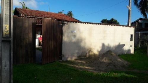 casa no balneário gaivota, em itanhaém, 500 mtrs da rodovia