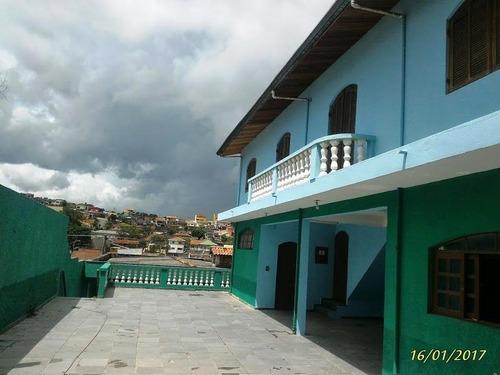 casa no centro 3 dormitório, sem garagem -r$ 1.200,00