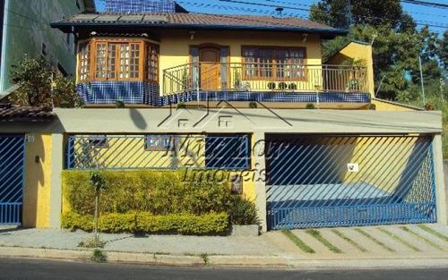 casa no city bussocaba  - osasco - sp, com 303 m² de área construída sendo 3 dormitórios com 2 suítes, sala, cozinha, 3 banheiros e 6 vagas de garagens. whatsapp mix lar imóveis  9.4749-4346 .