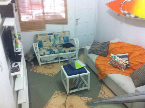 casa no guarujá praia do perequê 2 dorm. alugo p/ fim de sem