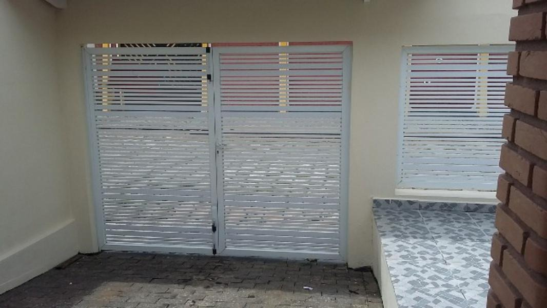 casa no jamaica com varanda e quintal - itanhaém 2597   npc