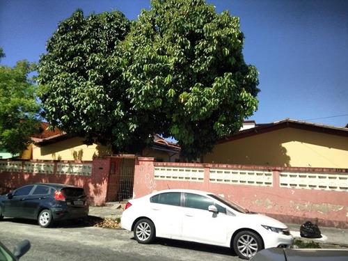 casa no jardim das oliveiras - 1 quarto, área de serviço