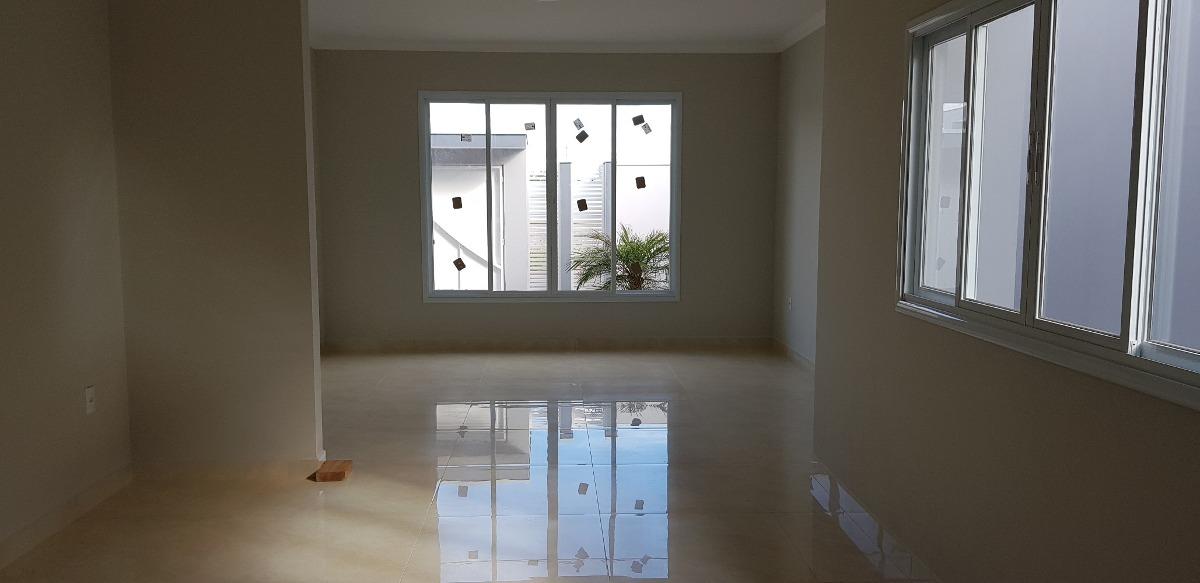 casa nova com 3 dormitórios, 1 suite, closed, com habite-se.