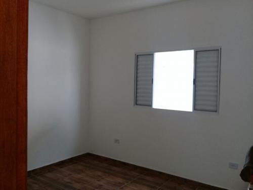 casa nova com escritura, lado praia, 1 dorm, financia.
