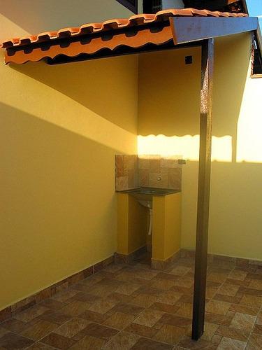 casa nova com otimo acabamento 2 quartos- itanhaem