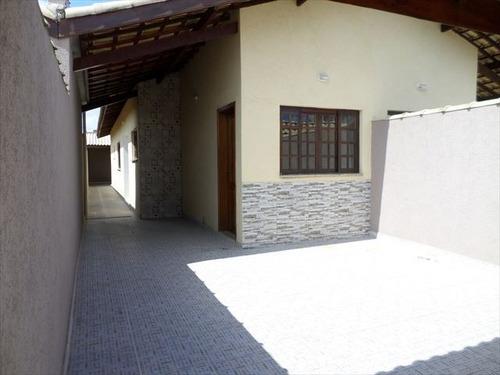casa nova com ótimo acabamento a venda em itanhaém!