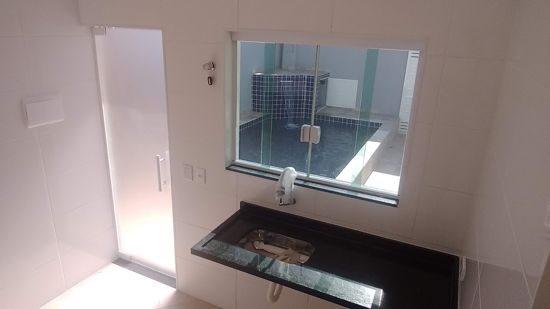 casa nova com piscina 3 dormitórios lado praia itanhaém sp