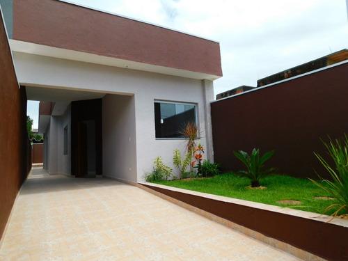 casa nova com piscina em peruíbe à venda.