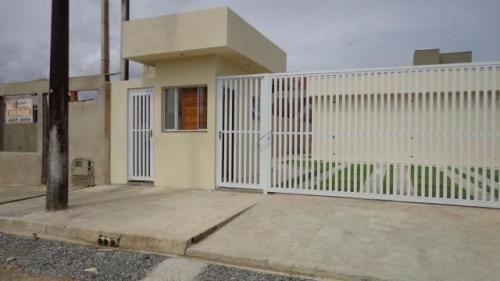 casa nova de condomínio com 2 dormitórios