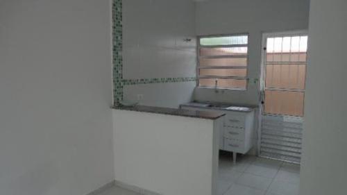 casa nova e barata em condomínio na praia com 2 quartos!