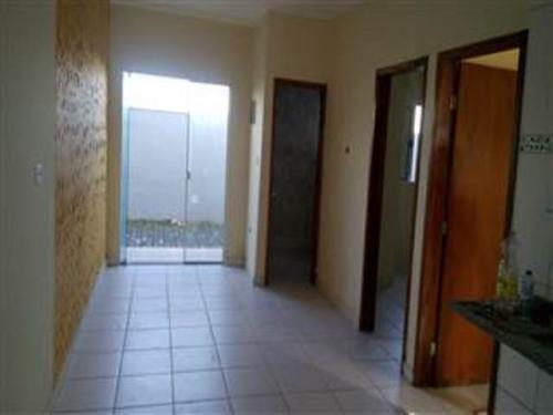 casa nova, lado praia, 2 quartos, parcela direto!