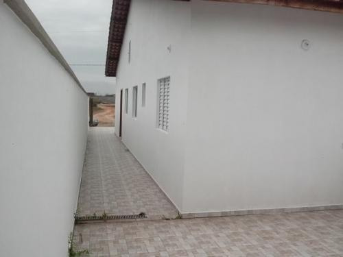 casa nova na praia com 2 quartos para parcelar
