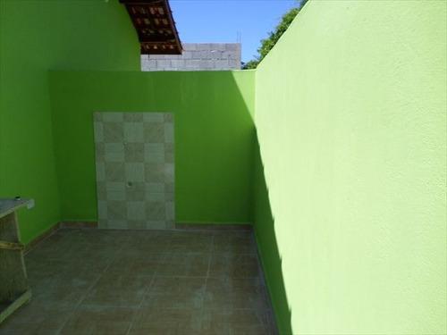 casa nova na praia litoral sul em em itanhaém