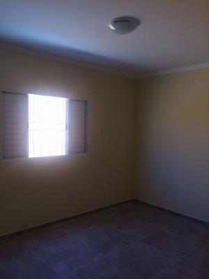 casa nova, rua pavimentada, 2 quartos, 300m² de terreno