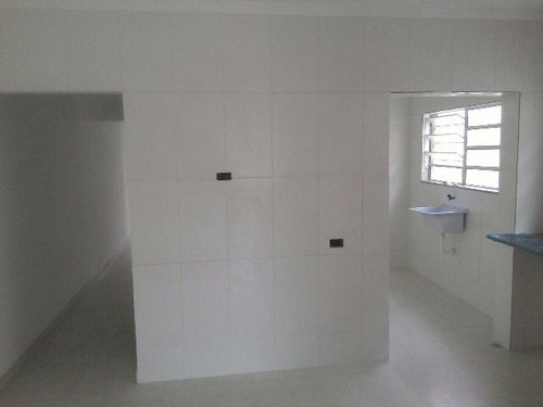 casa nova sobreposta nova na cesp, em itanhaem