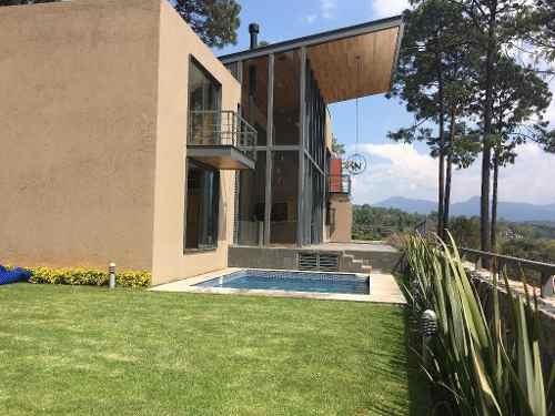 casa nueva con espectacular vista al bosque, dobles alturas y excelente iluminación