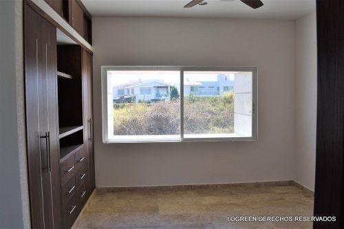casa nueva con moderno diseño, buenos espacios y vista panor