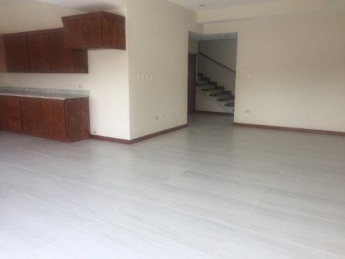 casa nueva con recamara en planta baja, excelentes  acabados, espacios amplios.