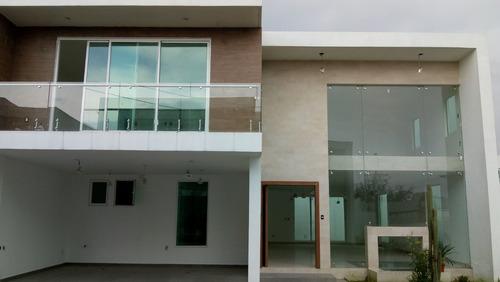 casa nueva de cuatro recamaras en providencia metepec