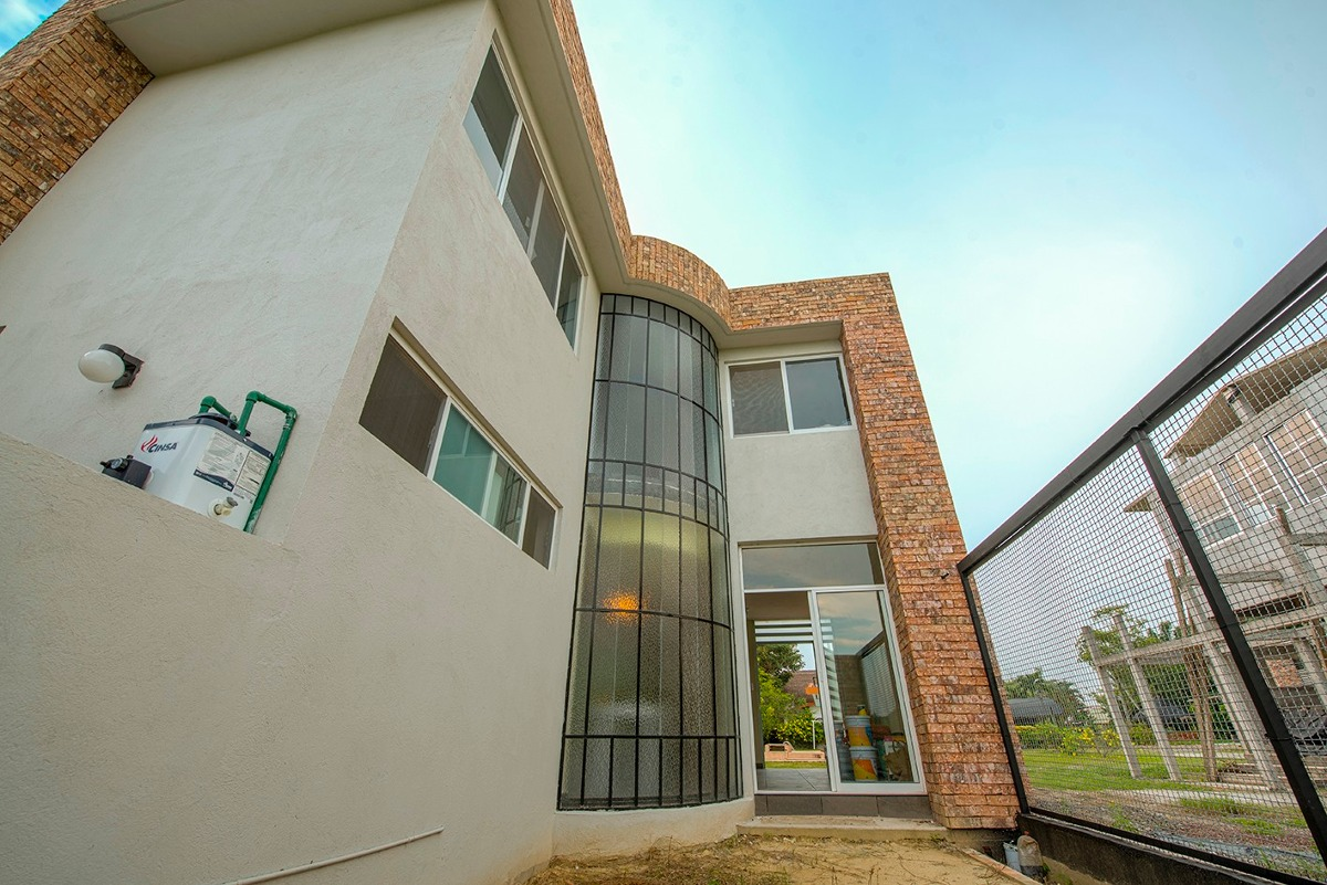 casa nueva en conjunto residencial con alberca