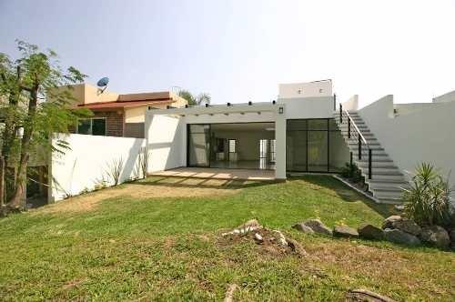 casa nueva en corinto