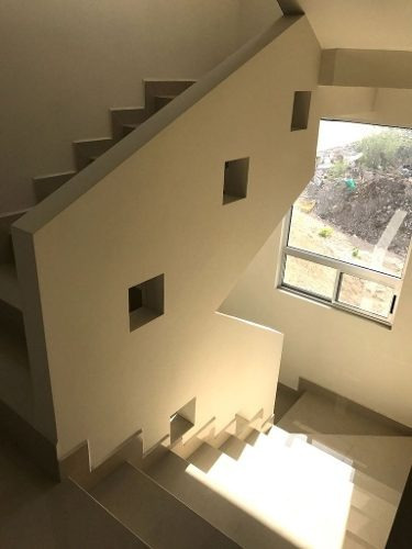 casa nueva en cumbres elite premier, privada vesubio. frente al parque