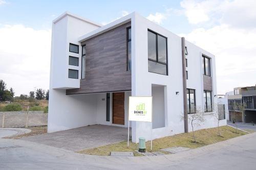 casa nueva en esquina, sendas residencial