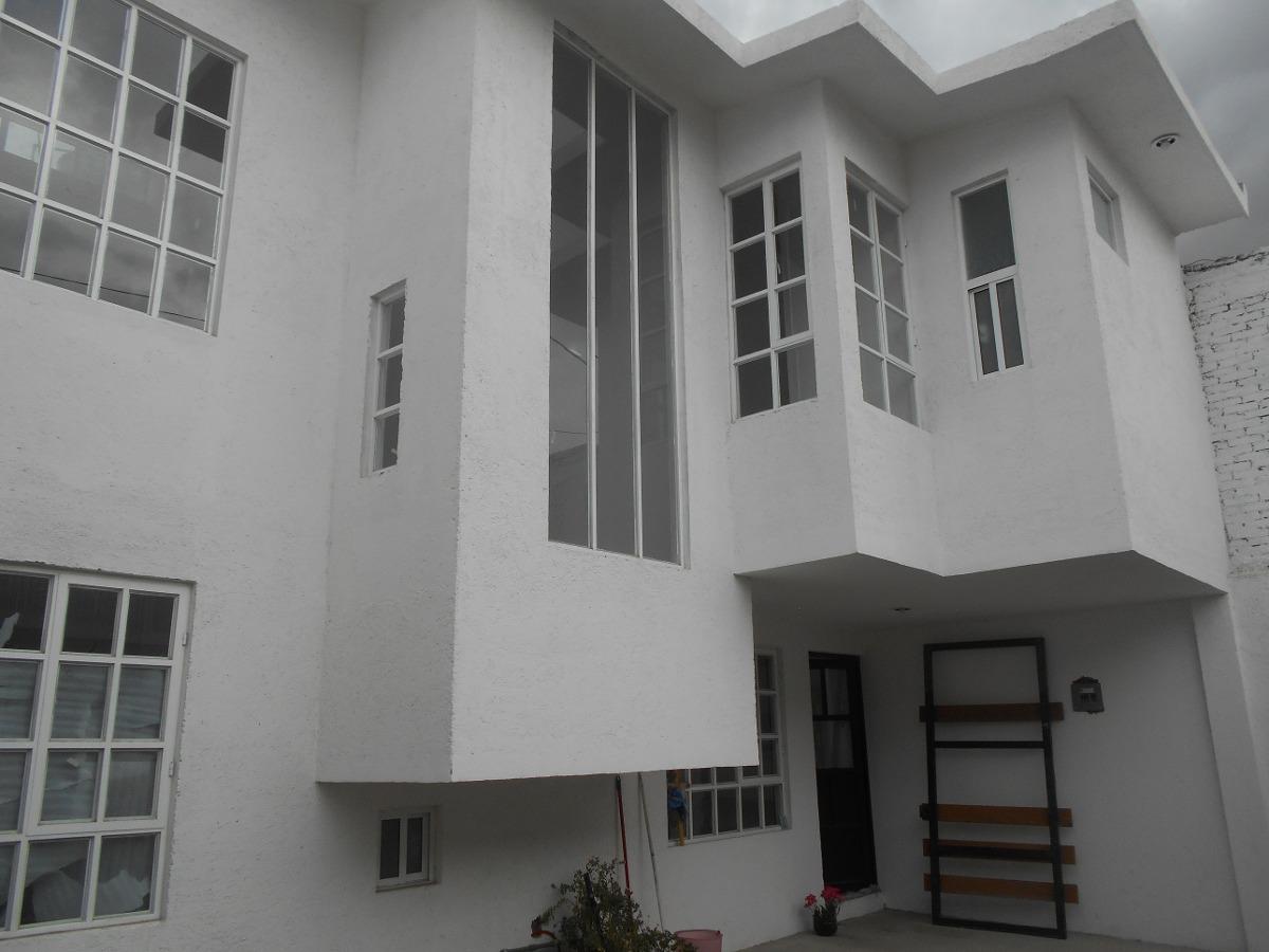 casa nueva en metepec, cercana a tollocan  tres recámaras.