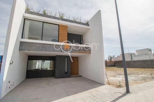 casa nueva en residencial lucendi zona plaza san diego