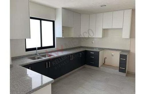 casa nueva en venta con todos los requerimientos para una familia ubicada en el refugio $2,700,000.00