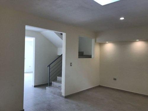 casa nueva en venta de tres niveles, privada con amenidades