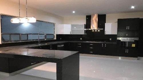 casa nueva en venta en colinas del cimatario con estilo moderno amplios espacios