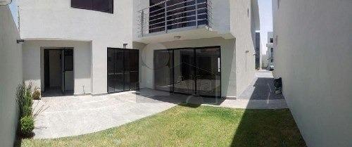 casa nueva en venta, zona dorada de metepec.