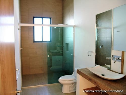 casa nuevo con moderno diseño y excelente ubicación