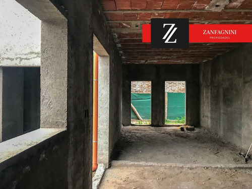 casa obra gruesa  de 300 mtrs2. barrio haciendas,  guaymallen, mendoza